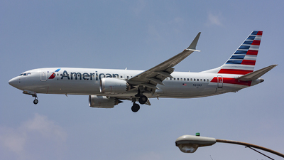 A picture of N310RF - Boeing 737 MAX 8 - American Airlines - © chalymtz