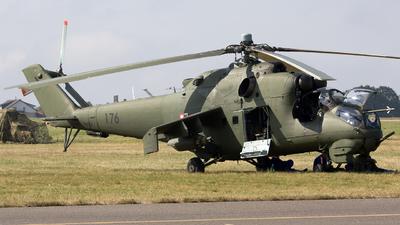 176 - Mil Mi-24D Hind D - Poland - Army
