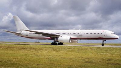 C-GTSN - Boeing 757-28A - Air Transat