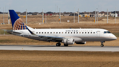 A picture of N205SY - Embraer E175LR - United Airlines - © Rodrigo Ehnis Borja