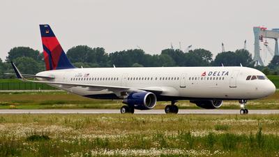 D-AVXR - Airbus A321-211 - Delta Air Lines