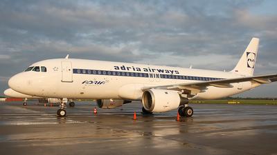 S5-AAT - Airbus A320-211 - Adria Airways