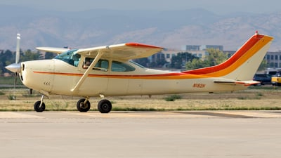 N182H - Cessna 182H Skylane - Private