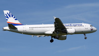 LY-VEB - Airbus A320-214 - SunExpress (Avion Express)