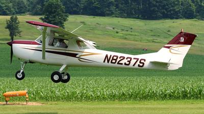 N8237S - Cessna 150F - Private