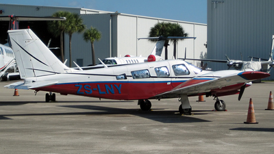 ZS-LNY - Piper PA-34-200 Seneca - Private