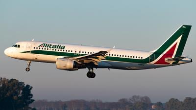 I-BIKA - Airbus A320-214 - Alitalia