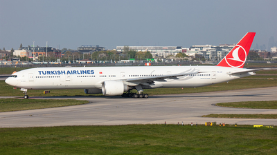 A picture of TCJJF - Boeing 7773F2(ER) - Turkish Airlines - © Airlinergeek