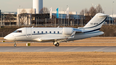 TC-BYR - Bombardier CL-600-2B16 Challenger 605 - Private