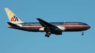 N320AA - Boeing 767-223(ER) - American Airlines