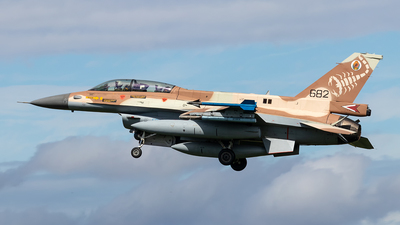682 - General Dynamics F-16D Barak - Israel - Air Force
