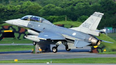 6802 - General Dynamics F-16BM Fighting Falcon - Taiwan - Air Force