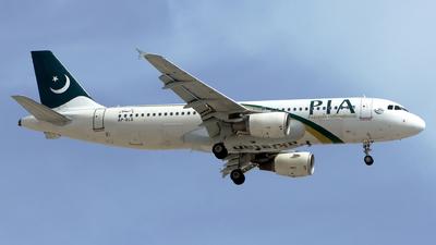 A picture of APBLD - Airbus A320214 - [2274] - © M. Azizul Islam
