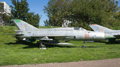 01 - Mikoyan-Gurevich MiG-21PFM Fishbed - Poland - Air Force