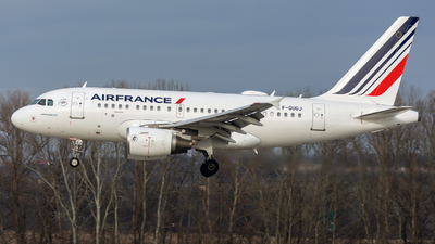 A picture of FGUGJ - Airbus A318111 - Air France - © Debregabor
