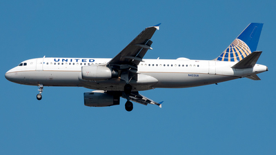 A picture of N403UA - Airbus A320232 - United Airlines - © Yan777