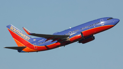 A picture of N780SW - Boeing 7377H4 - Southwest Airlines - © Orlando Suarez