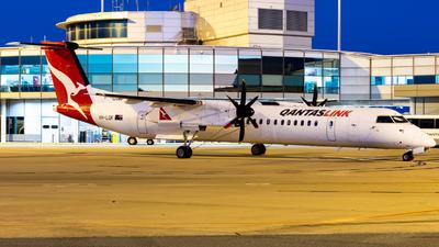 A picture of VHLQK - De Havilland Canada Dash 8400 - Qantas - © Will PH