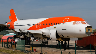 A picture of GEZII - Airbus A319111 - [2471] - © mark p