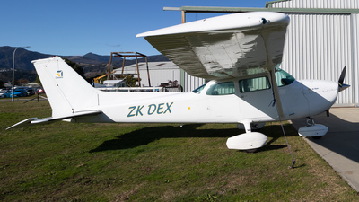 ZK-DEX - Cessna 172N Skyhawk - Private