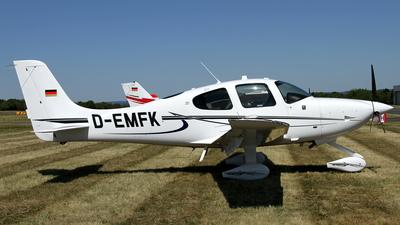 A picture of DEMFK - Cirrus SR20 G6 - [] - © Daniel Schwinn