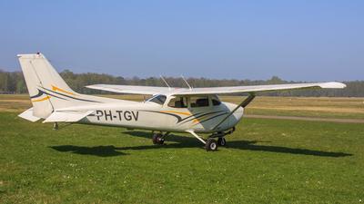 PH-TGV - Reims-Cessna F172N Skyhawk II - Private