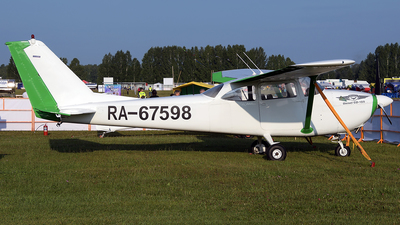 RA-67598 - Cessna 172H Skyhawk - Private