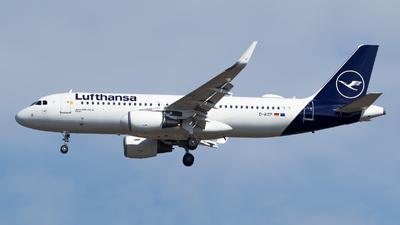 A picture of DAIZP - Airbus A320214 - Lufthansa - © RAFAL KUKOWSKI