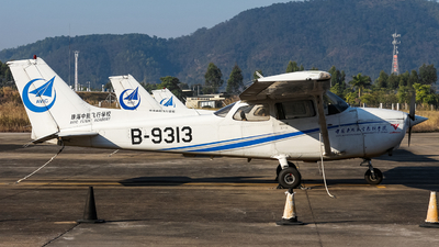 B-9313 - Cessna 172R Skyhawk - AVIC Zhuhai General Aviation