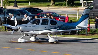 N328WH - Cirrus SR22T - Private