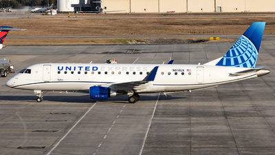 A picture of N614UX - Embraer E175LL - United Airlines - © JinZi