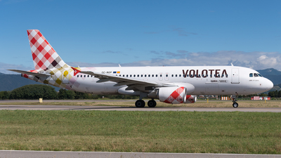 A picture of ECNOP - Airbus A320214 - Volotea - © Julian Mittnacht