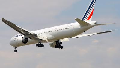 F-GSQF - Boeing 777-328ER - Air France