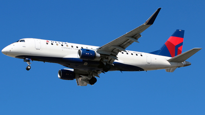 A picture of N272SY - Embraer E175LR - Delta Air Lines - © Diego Mancilla.