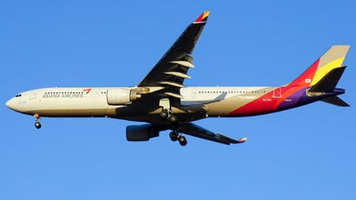 HL7747 - Airbus A330-323 - Asiana Airlines