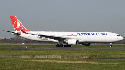 A picture of TCJOL - Airbus A330303 - Turkish Airlines - © Bjoern Huke