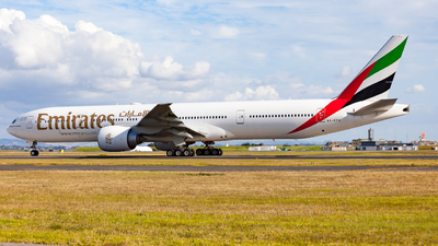 A picture of A6EPV - Boeing 77731H(ER) - Emirates - © Dominic Oakes