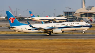 A picture of B1403 - Boeing 73781B - China Southern Airlines - © Lywings
