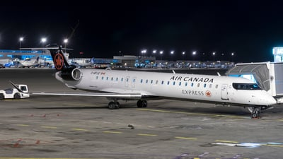 C-GFJZ - Bombardier CRJ-705LR - Air Canada Express (Jazz Aviation)