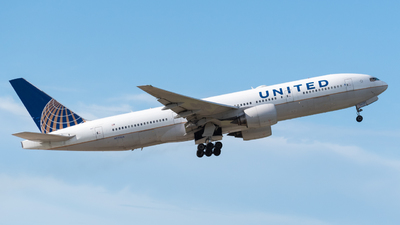 A picture of N777UA - Boeing 777222 - United Airlines - © Gian Rodriguez