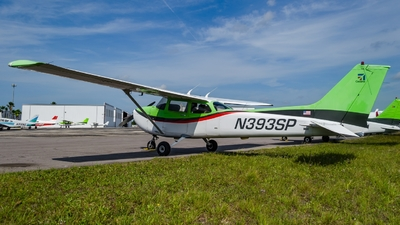 A picture of N393SP - Cessna 172S Skyhawk SP - [172S8290] - © Maxime CERTAIN-MESSAGER