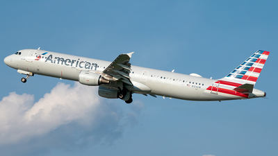 N154UW - Airbus A321-211 - American Airlines