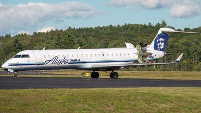 A picture of N217AG - Mitsubishi CRJ701ER - [10031] - © MaineSpotter
