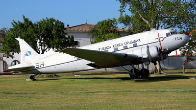 514 - Douglas C-47-DL Skytrain - Uruguay - Air Force