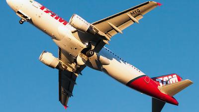 PR-MYQ - Airbus A320-214 - TAM Linhas Aéreas