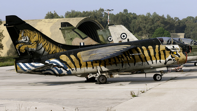 158825 - LTV A-7E Corsair II - Greece - Air Force