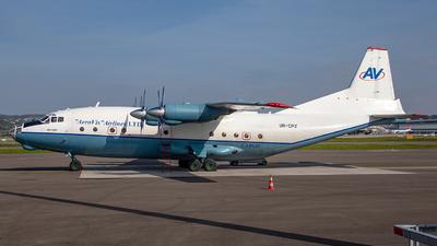 UR-CPZ - Antonov An-12B - Aerovis Airlines