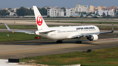 JA617J - Boeing 767-346(ER) - Japan Airlines (JAL)