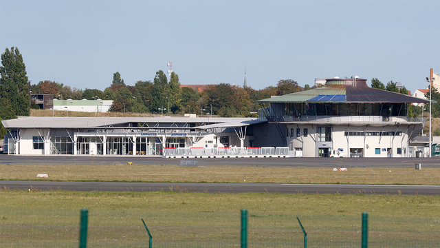 A view from Poitiers – Biard Airport