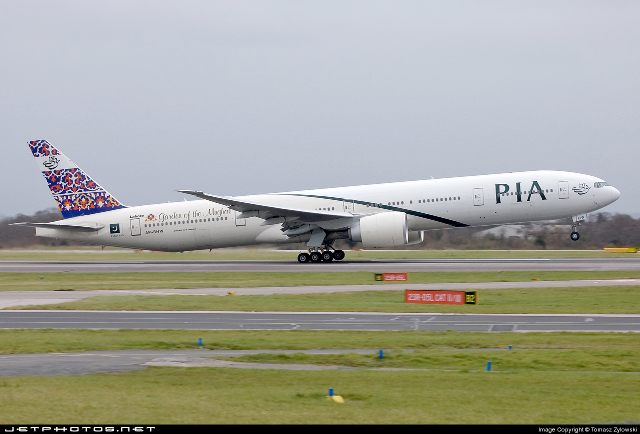 AP-BHW - Boeing 777-340ER - Pakistan International Airlines (PIA)